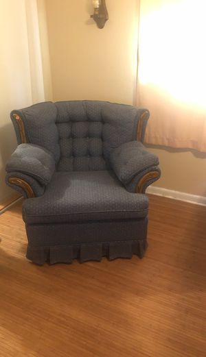 Antique chair for Sale in Tamarac, FL