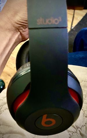 Beats by Dre Studio3 Wireless Headphones (Limited Edition) for Sale in Lacey, WA
