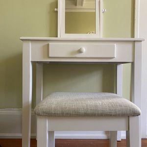 "White Vanity With Stool - 28""w x 16""d x 51""h for Sale in San Francisco, CA"