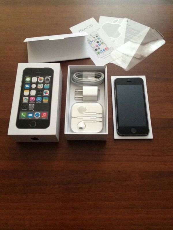 IPhone 5S, UNLOCKED//Excellent Condition, Looks like New//Price is Negotiable