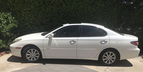 LEXUS FOR SALE! Lexus ES 300- Perfect condition and low mileage!