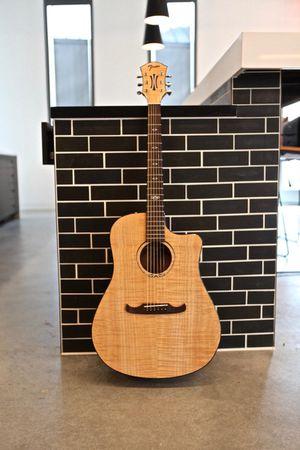 NEW Fender T-bucket 400ce guitar & Gator Case PRICE DROP for Sale in Lakeland, FL