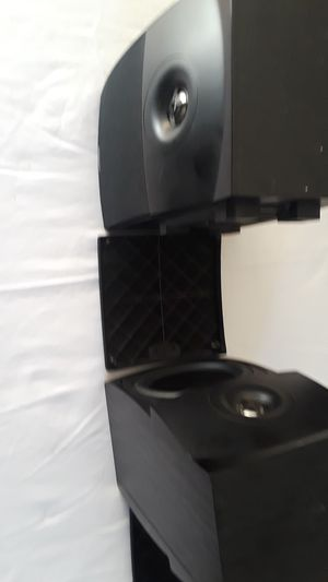 energy bookshelf or wall mount fuel sided speakers sound great for Sale in Oakley, CA