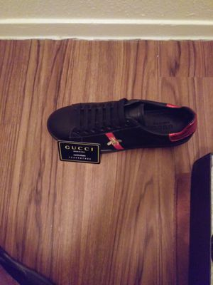Gucci shoes. for Sale in Fresno, CA