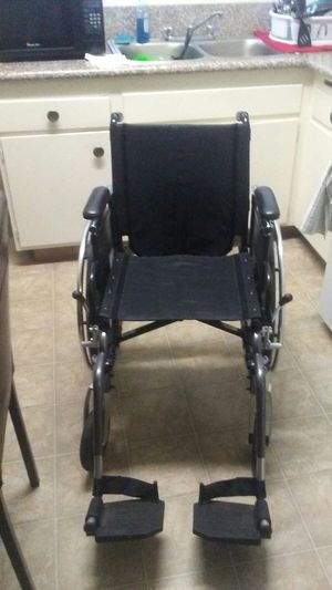 Breezy WheelChiar for Sale in Fresno, CA
