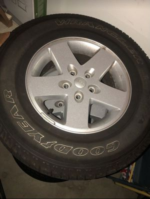 Jeep Wrangler wheels and tires for Sale in Jurupa Valley, CA