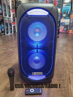 """Bocina Bluetooth !!! Profesional Speaker 2 x 8"""" WOOFERS , SUPER POWERFUL BASS 🔊🔊🔊 !!! Rechargeable 🔋+++ 🎤 LED Lights !!! SUPER PARTY SPEAKER for Sale in Los Angeles, CA"""