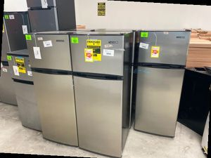 Mini fridge with freezer liquidation sale 🤯🤯🤯 MUDGJ for Sale in Rosemead, CA
