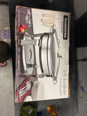 TRAMONTINA 4.2qt 3pc CHAFING DISH w Cover Stainless Steel Glass Oven Safe for Sale in Bakersfield, CA