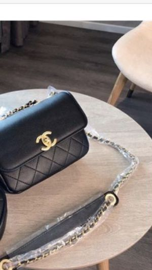 Chanel crossbody bag for Sale in Chandler, AZ