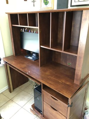 Nice desk for Sale in Pensacola, FL