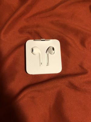 iPhone EarPods with cord for Sale in West Palm Beach, FL