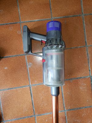 Dyson vacuum w/ ALL attachments for Sale in Westerville, OH