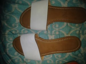 Flat white slip on sandals plus free decorative sandal snaps 2 pair for Sale in Overland, MO