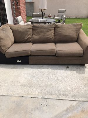 Free sofa for Sale in Downey, CA