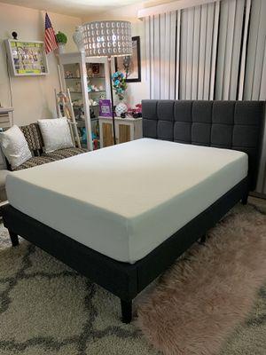 Beautiful full platform bed frame with memory foam mattress for Sale in Shoreline, WA