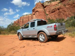 103k miles 4wd Crewcab Nissan Frontier for Sale in San Diego, CA