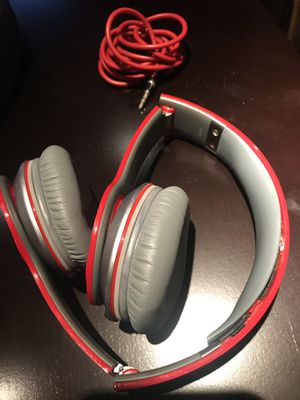 Generation 1 Beats solo wired headphones for Sale in Detroit, MI