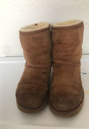 Gently used uggs size 6 women for Sale in Houston, TX