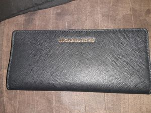 Brand new never used women's MK wallet for Sale in Mount Prospect, IL