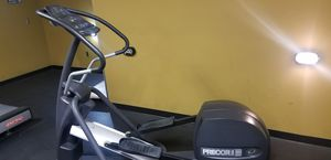 Like New Commercial Grade Precor EFX 5.23 Elliptical for Sale in Midlothian, VA