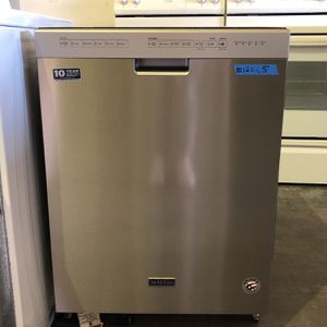 BRAND NEW MAYTAG STAINLESS STEEL DISHWASHER for Sale in Las Vegas, NV