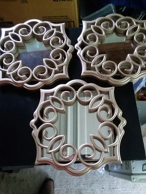 Wall hanging mirrors for Sale in Mount Sterling, KY
