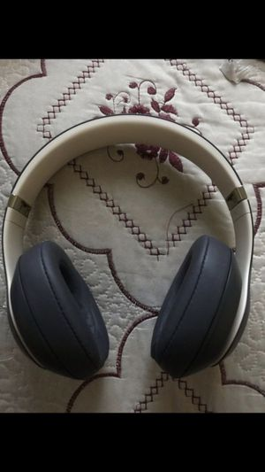 Beats solo 3 for Sale in Rialto, CA