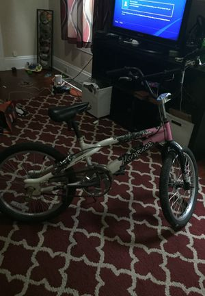 Girls Mongoose bike for Sale in Cleveland, OH