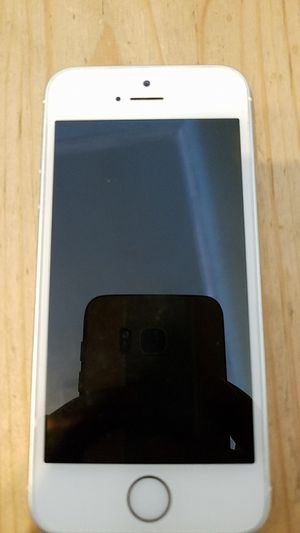 Iphone 5 unlolcked for Sale in Portland, OR