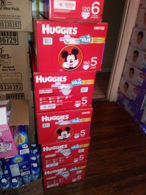 HuGGies litllemovers size 5 $ 47 por caja oh cambio por formula Enfamil 12 0z for Sale in Los Angeles, CA