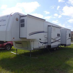 Rv camper 5th wheel for Sale in Panama City, FL