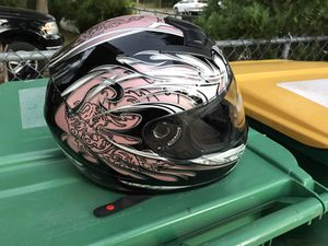 Like new Lady's Pink Motorcycle helmet size S for Sale in Port Charlotte, FL