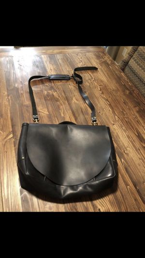 Leather messenger bag (great quality) for Sale in Chula Vista, CA