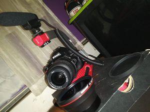 Nikon D5100 for Sale in Hartford, CT