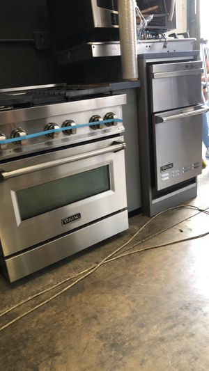 VIKING STOVE AND TRASH COMPACTOR for Sale in San Diego, CA