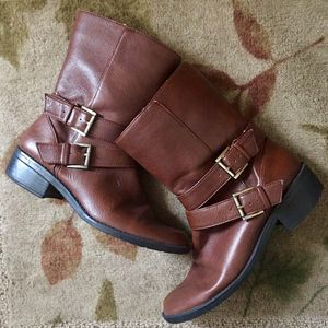 Used Anne Klein women's brown leather boots size 6.5 OBO for Sale in Chicago, IL