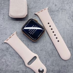 Apple Watch 6 44mm for Sale in Claremont, CA