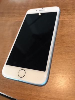 Iphone 7 unlocked for Sale in Lexington, KY