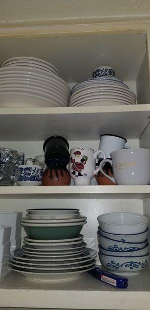 Free Dinner dishware for Sale in SeaTac, WA