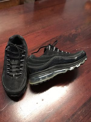 Air max boys 5.5 or 7.5 in women $35.00$ for Sale in Chicago, IL