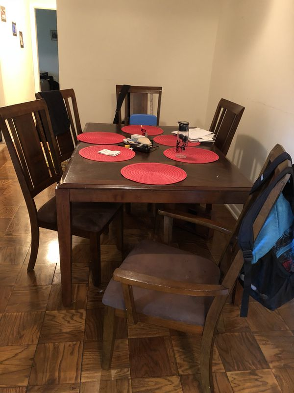 Couch + Table 200$