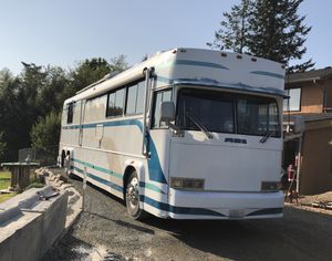 MCI Bus Motorhome 470HP 13 speed for Sale in Sultan, WA