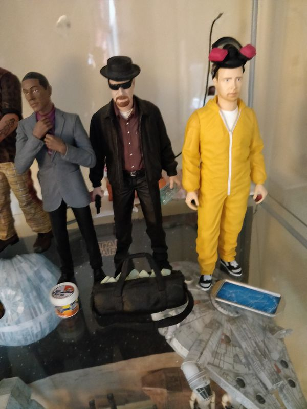 Action figure and collectibles - Make an offer