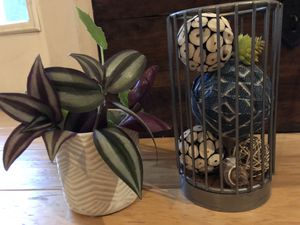 Modern Metal Vase for dif Decor &, ceramic short Vase for Sale in Heathrow, FL