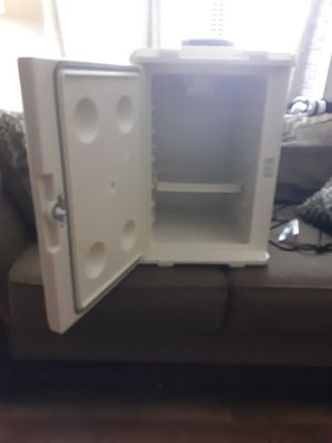 Coleman cooler/fridge for Sale in Knoxville, TN
