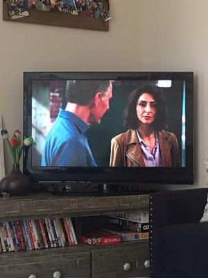 Seiki 40in flatscreen TV on rotating base for Sale in Washington, DC