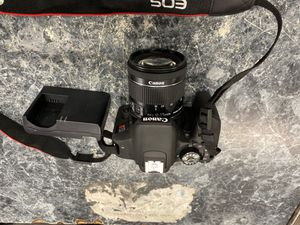 Canon T7i DSLR CAMERA WITH CHARGER for Sale in Silver Spring, MD