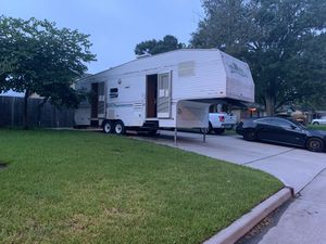 30ft fifth wheel camper for Sale in Pearland, TX