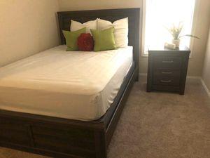 Queen Bedroom Set for Sale in Powersville, GA